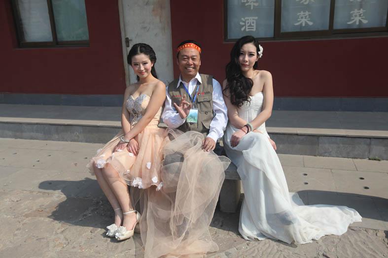 转发孟燕君老师和女模特激情戏 网上最大农民